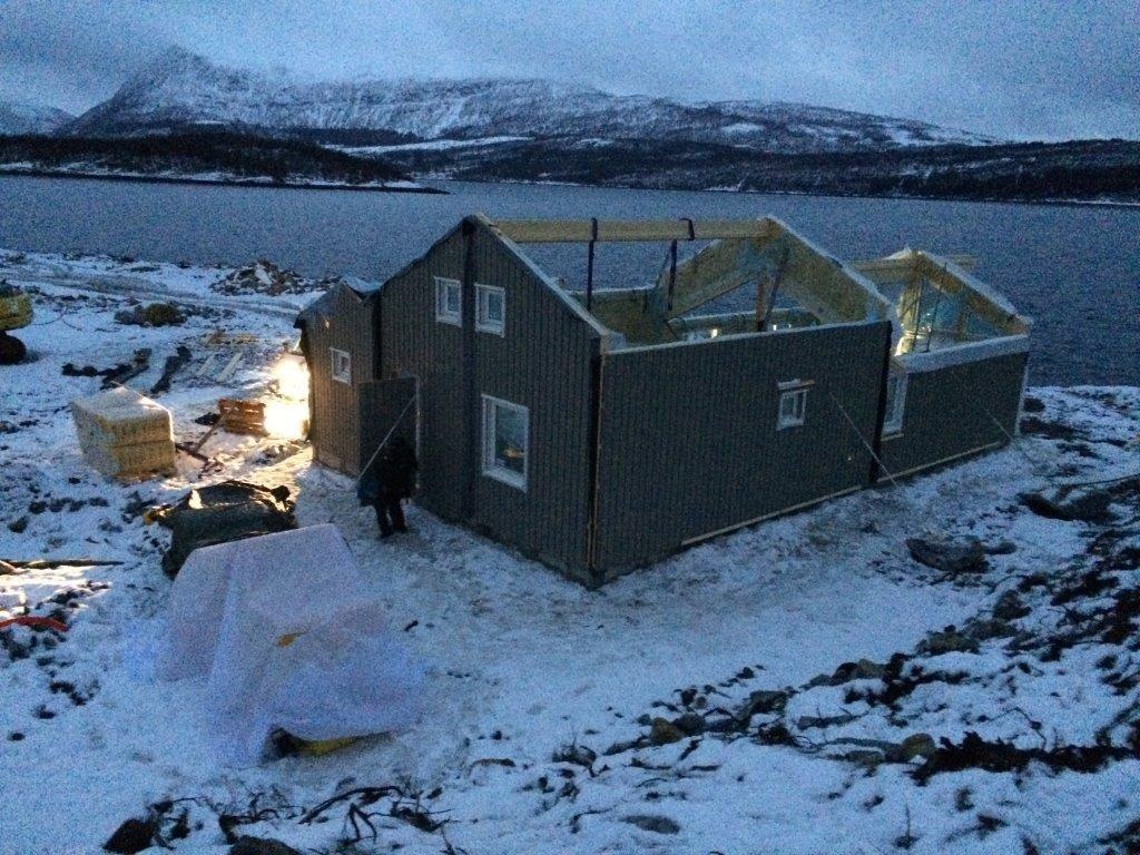 Väderleken kanske inte alltid är på vår sida vid projekten i Norge men utsikten kompenserar det mesta.